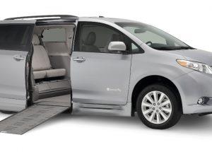 Toyota Braun Rampvan XI Side Entry In Floor Low res