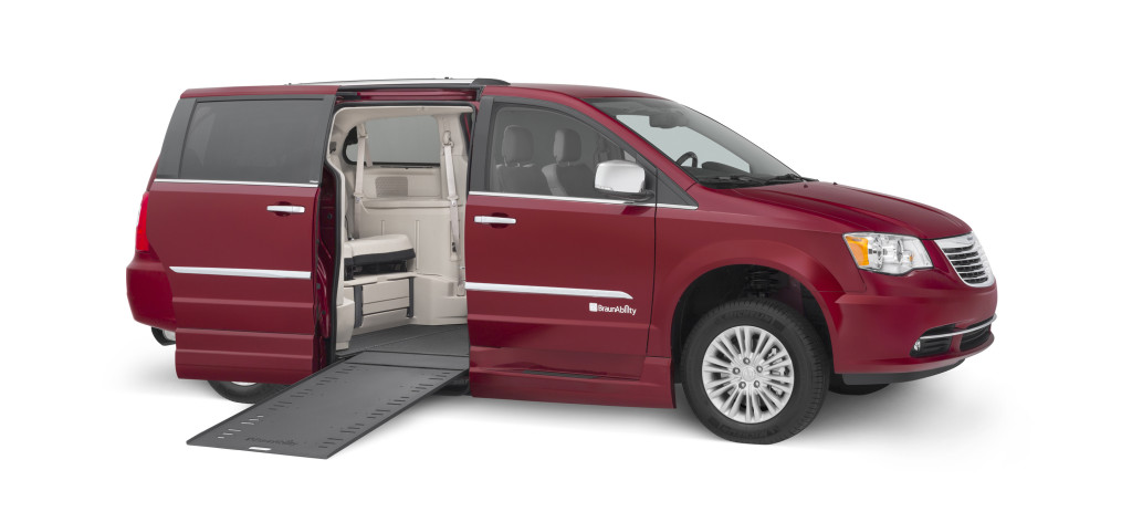 Dodge-Chrysler-BraunAbility-Entervan-In-Floor-Wheelchair-Van